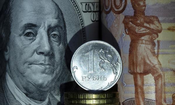 Рублю предсказали нетрадиционный рост